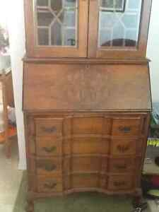 Antique display/Secretary desk w/4 drawers, in VGood condition