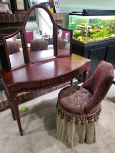 Bombay vanity and skirted chair