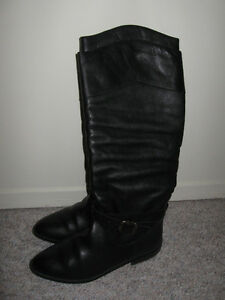 Black leather boots London Ontario image 1
