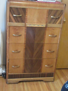 Classic Vintage Chest of Drawers