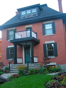 GLEBE Classic. Powell Ave. May 1st. $1495.00