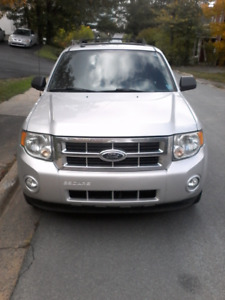2009 Ford Escape XLT. Limited. Fully loaded