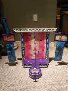 Hannah Montana stage