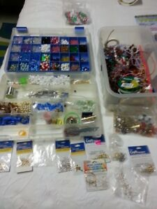 Assortment of jewellery pieces
