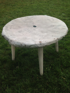 patio table with cover