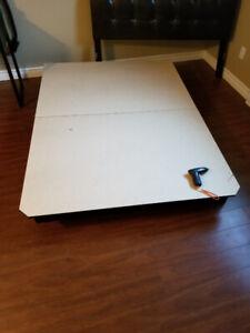 Tête de lit double avec plateforme 30$