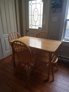 Kitchen table solid wood $200.00
