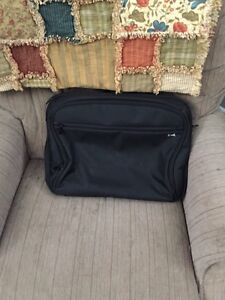 Laptop carrier/bag