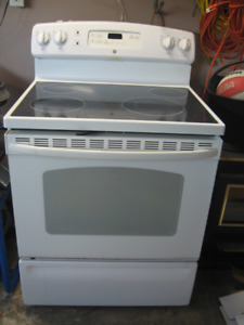 GE Glass top electric stove/oven