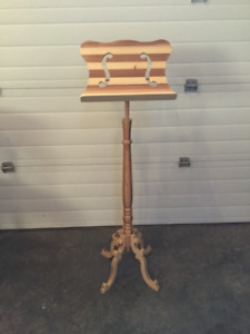 Lectrum or music stand