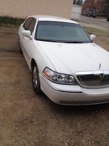 2004 Lincoln Town Car Ultimate edition Sedan cheapest Lincoln