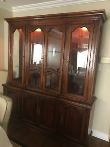High quality dining room hutch, base and 6 chairs