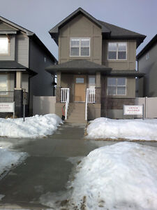 6BR House in Harbour Landing for Rent!!!