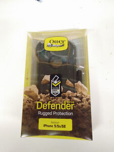 Otter Box Defender Case for iPhone 5/5s/SE. Brand New