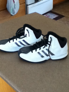 Girls size 9 basketball sneakers