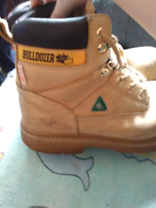 Fully plated work boots