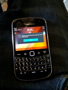 BlackBerry Bold 9900 Touchscreen with wind/Freedom mobile
