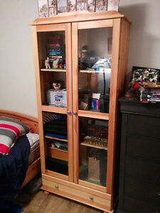 Beautiful Solid Pine Display China Shelving Cabinet