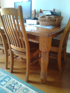 Dinning setting solid timber