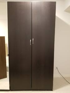 Wooden Wardrobe - Great Condition!