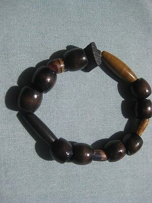 Vintage Stretch Bracelet Made of Wooden Beads Comfortable & Good Looking (9281)](Easy Good Costumes)