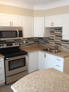 2 BEDROOM - RECENTLY RENOVATED - AVAIL. IMMEDIATELY