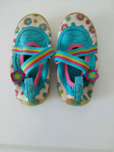 Water Shoes - Kids Size 9