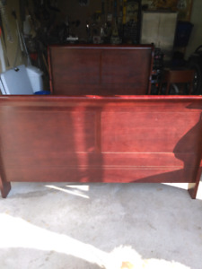 Queen size mahogany  sleigh bed