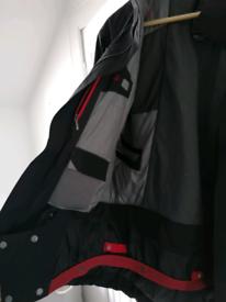 The North Face Men's ski jacket - medium