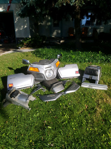 1982 GL500i Silverwing Parts - full fairing set and more!