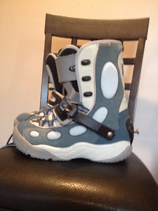 Men's size 11 step-in Oxygen snowboard boots
