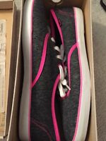 Selling brand new Keds size 8