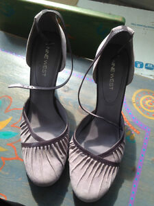 NINE WEST SHOES (Size 10, Mauve)