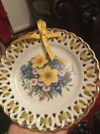 Minerva collection plate