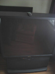 """52"""" Sony Rear Projection TV - Works Perfect no HDMI"""