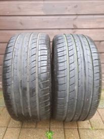 2x 245/40/17 tyres