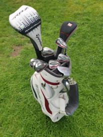 Wilson deep red / staff golf clubs