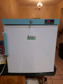 LEC MEDICAL COUNTER TOP FRIDGE