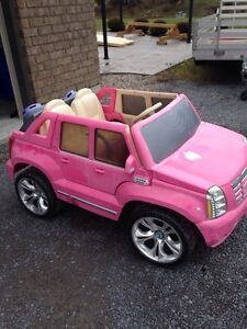 Power Wheels Barbie Cadillac Hybrid Escalade Ride On Belleville Belleville Area image 1