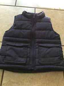 Boys puffer vest size 2T - Joe Fresh