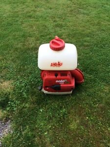 FS: Solo backpack  leaf blower / insectacid sprayer