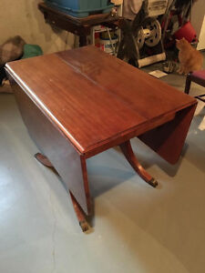 Duncan Phyfe drop leaf table with 4 chairs London Ontario image 5