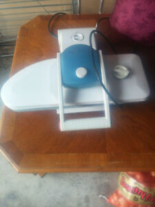LARGE ELECTRIC STEAMER IRON