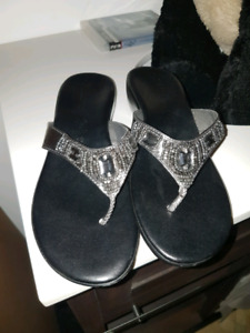 Ladies Contessa Pewter size 10 wedge toe thong sandals