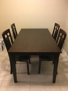 5- piece dining room set, excellent condition. 2 years old,