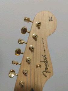 Looking to Trade Deluxe Player Stratocaster