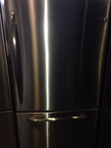 """STAINLESS STEEL FRIDGE EXCELLENT DEAL GE PROFILE 33"""""""
