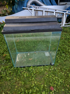 Fish tank with cover and light