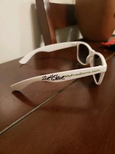 Myfreecam.com sun glasses signed by the cam girls
