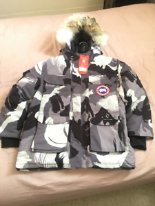 "MEN'S CANADA GOOSE EXPEDITION PARKA ""Camouflage"". Size Large ""L"""